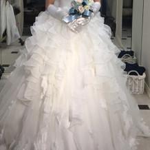 フリルいっぱいで可愛いドレス