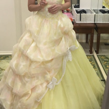 ディズニーのベルみたいな素敵なドレス