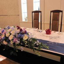 メインテーブルの装花