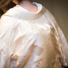 縁起の良い鶴の刺繍