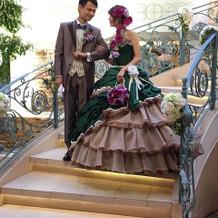 階段から登場出来る披露宴会場もあり