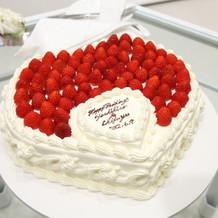 苺がいっぱいの生ケーキ