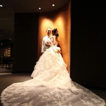 刺繍の綺麗なトレーンのドレス