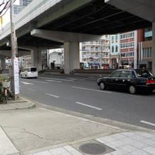 建物前の風景