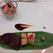 牛肉とフォアグラの、海のカクテル