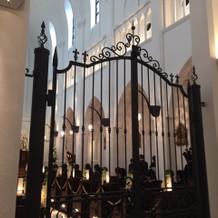 挙式会場の大聖堂の中です。