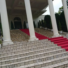 大階段がついている会場