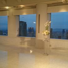 三面ガラス窓景色がきれいに見渡せます