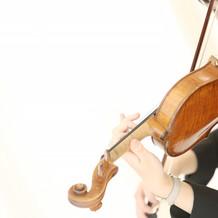 生歌、生バイオリンの演奏