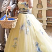 カラードレスに手袋まで付いてました^ ^