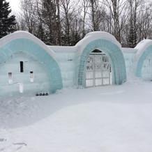 氷の教会(冬季限定)にいく道
