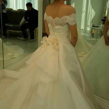 このドレスに一目惚れ♡