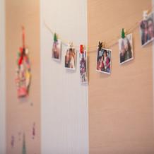 自分たちの思い出の写真をたくさん貼った。