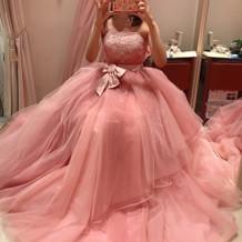 ローラアシュレイのドレスです