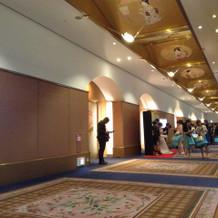 披露宴会場前の廊下