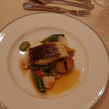魚料理(鯛を蒸したもの)3品目