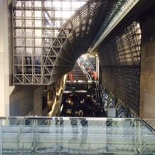 中庭から見える有名な大階段