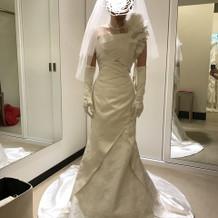 チャペルでのドレスです。