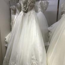 ウエディングドレス