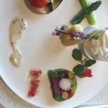 前菜。21種類の野菜を使用してるとの事。