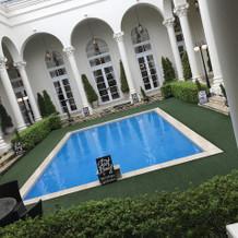 ガーデンのプールです。