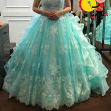 ボリュームのあるドレス