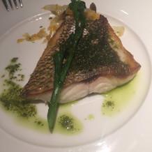 バジル香る白身魚のポワレ