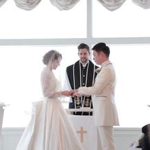まるで雲の上で結婚式をしているようです