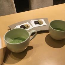 見学の際のお抹茶とチョコレート