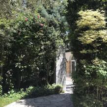 ローズ・ガーデンの入り口も素敵!