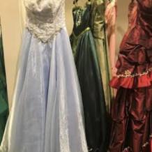 オリジナルのアナとエルサのドレス