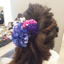花の髪飾り。楽天で3千円