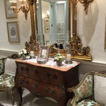 ヨーロピアンな家具はゲストからも高評価。