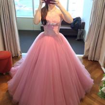 可愛いドレスがいっぱいです。