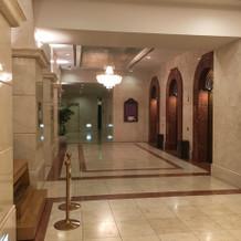 一階エレベーター付近