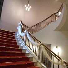 長い階段がとても豪華