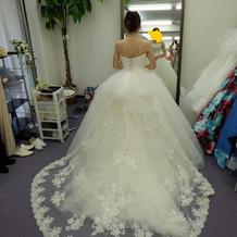 ドレス選びはたくさん悩むべき!