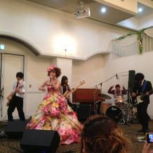妻とバンド演奏をさせて頂きました。
