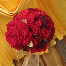 バラが特徴的なブーケ