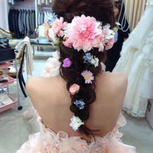 カラードレスの髪型