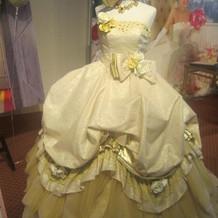 ベル風のドレス