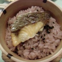 お赤飯に鯛が載っていました
