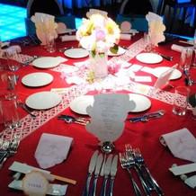 テーブルも華やかにしてみました。