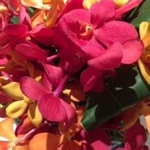 ゲスト卓装花をボリュームアップしました。