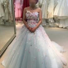 ピンクのドレスと最後まで迷っていたドレス