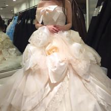 神田うのさんドレス。可愛かった