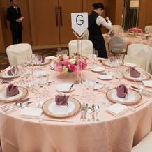 ゲスト用の丸テーブル(日比谷花壇)