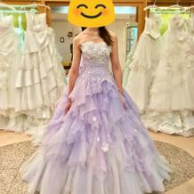 最初に選んだカラードレス