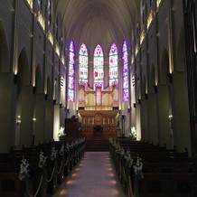 大聖堂でステンドグラスが素敵!