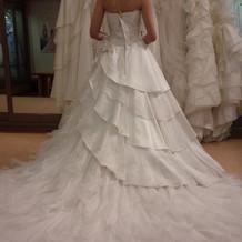 このドレスの後ろ身が気に入りました。